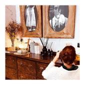 Retour sur la séance photos de lundi à l'hôtel @laplanquehotel avec la photographe @alice_gueguin  (Je vous invite à découvrir les multiples talents d'Alice également sur son second compte @alicegueguin ) Une journée intense et ultra studieuse dans un lieu exceptionnel… d'abord par son accueil chaleureux et la gentillesse absolue et la disponibilité de l'équipe.  Ensuite parce que la décoration de l'hôtel imaginée par @dorotheedelaye et @atelierdaphnedesjeux offre mille possibilités…  D'ailleurs une nouvelle séance est prévue car avec toutes les nouveautés à venir la journée est passée trop vite...  . . . 📷 @mademoisellelulubelle_bougies